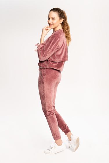 kurs-online-szycia-bluzy-i-spodni-dresowych-damskich