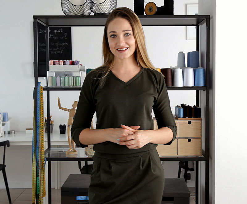 sukienka-z-dzianiny-model-vert-kurs-online